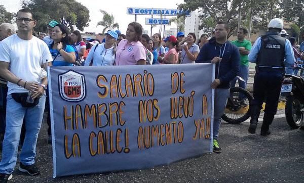 Docentes se concentraron en el obelisco para exigir for Docentes en el exterior 2016