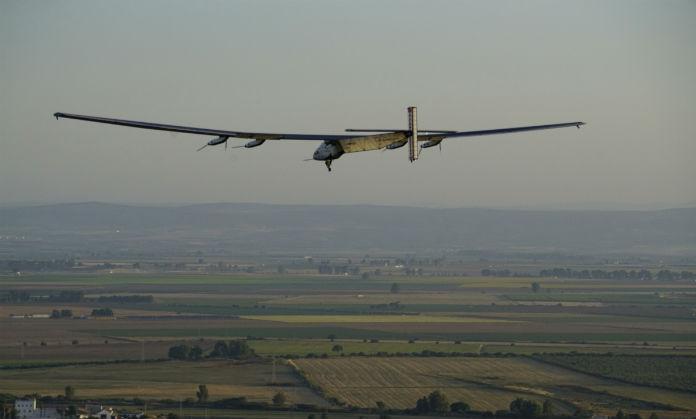 Avión solar despega de España en dirección a Egipto