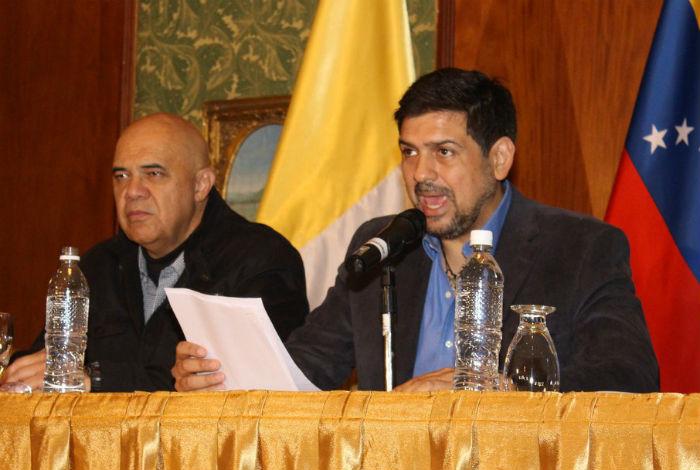 Gobierno y oposición acuerdan convivir en paz para resolver crisis — Venezuela
