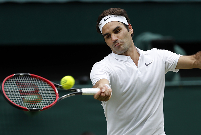 Federer y Murray avanzan a cuartos de final de Wimbledon