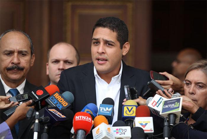 Gobierno acepta ayuda de la OMS luego de once meses — Olivares