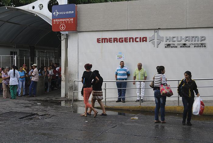 Resultado de imagen para LLEGAN A LAS EMERGENCIAS HERIDOS EN PROTESTAS