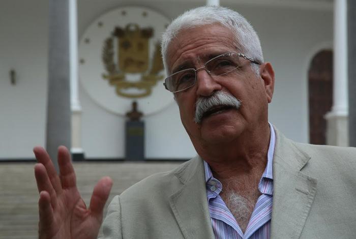 Presidente Maduro solicitó la renuncia al presidente del BCV, Nelson Merentes