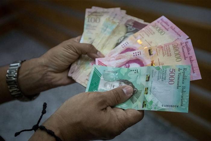 Maduro anuncia nueva prórroga para circulación de billete de Bs.100