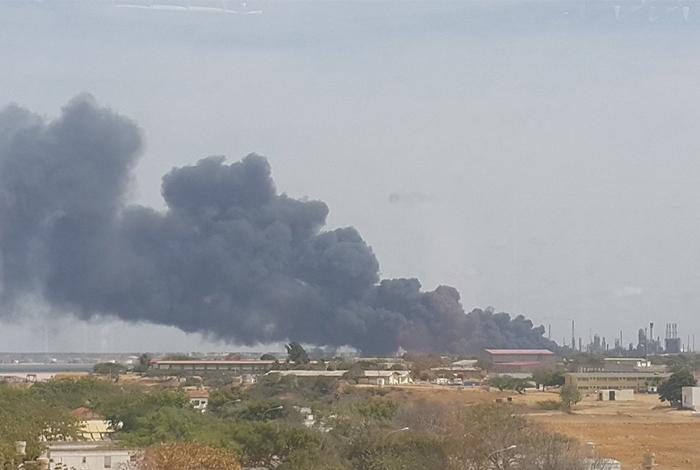 Incendio en Amuay, la mayor refinería venezolana