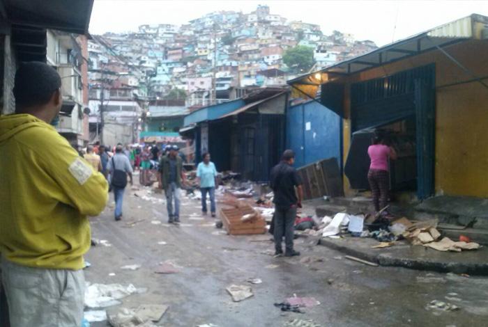 Mueren 10 durante saqueo a panadería en Caracas