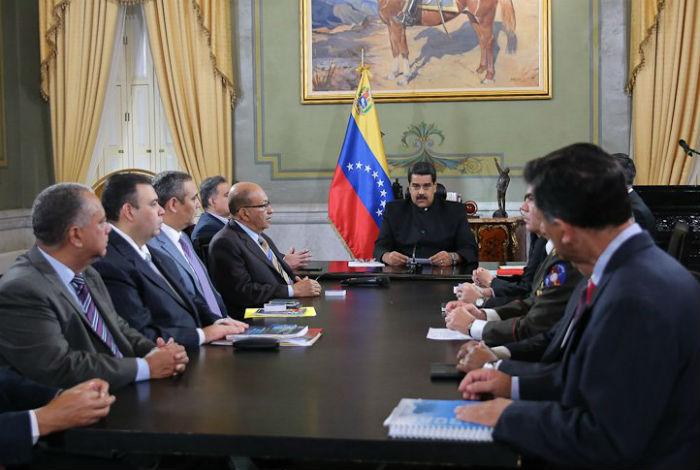 Corte venezolana deroga asumir competencias del Parlamento