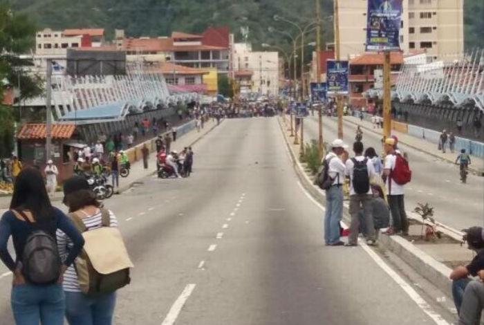 Hijo del defensor del pueblo venezolano pide poner fin a la injusticia