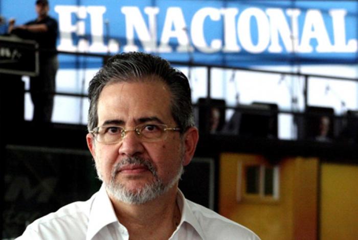 España concede nacionalidad a director del diario