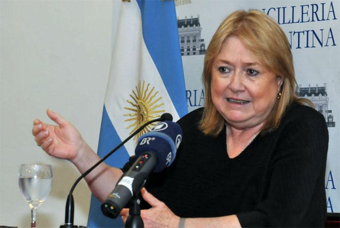 Francisco no recibirá a más políticos argentinos hasta después de las elecciones