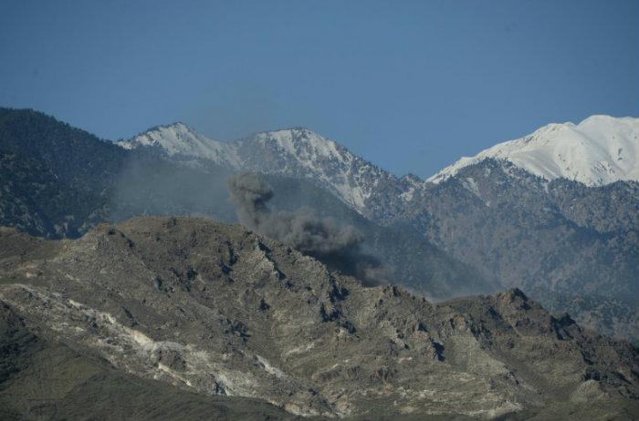 Lanza por primera vez su bomba no nuclear más potente en Afganistán