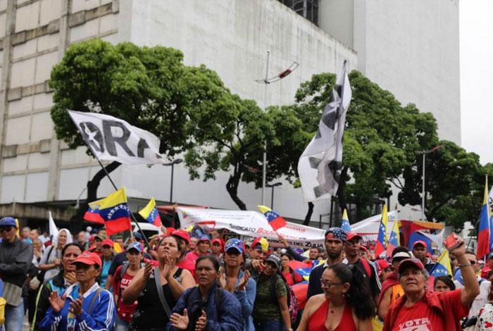 Militares reprimen marcha contra Constituyente de Maduro