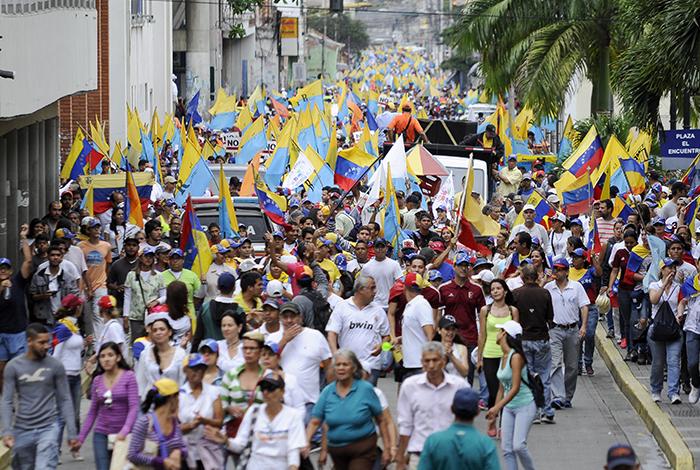 Maduro atribuyó a la oposición una