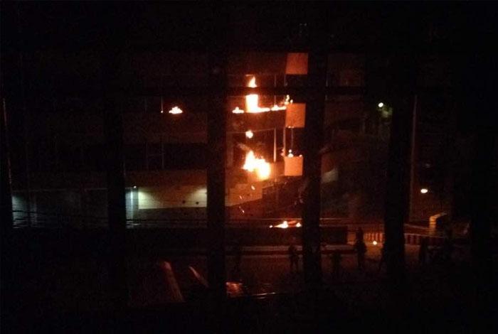 Fue quemada la sede del Seniat en Valera