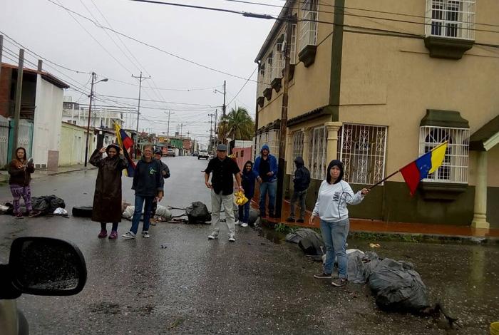Oposición marcha en 15 estados de Venezuela para pedir respeto a Constitución