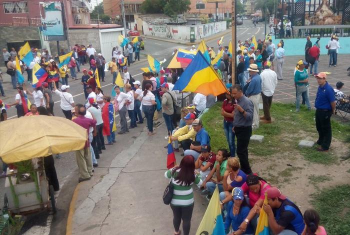 GNB reprime a manifestantes en La Candelaria