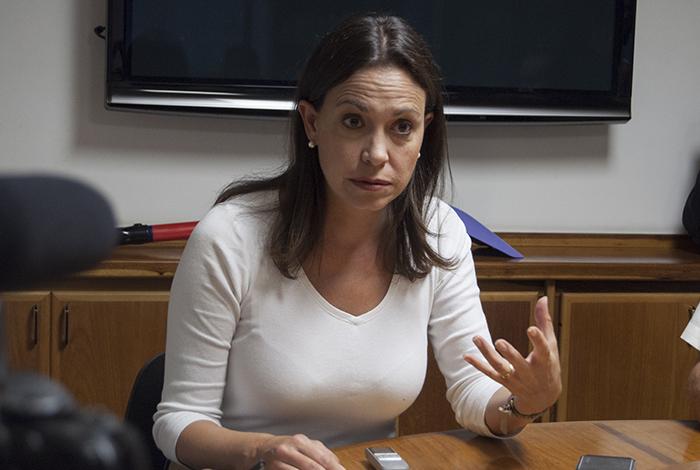 María Corina herida por oficialistas