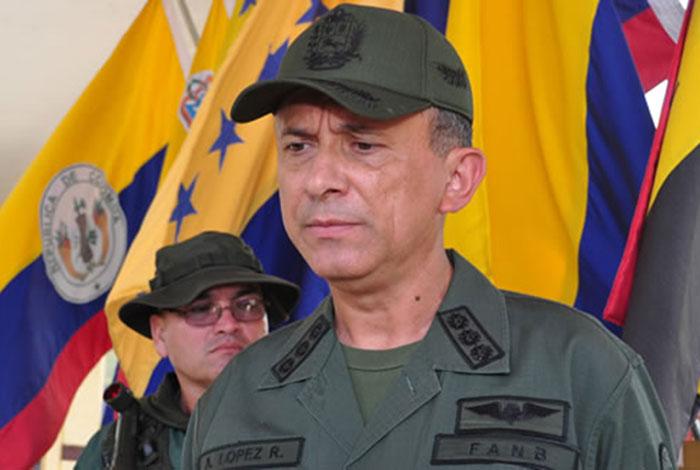 Renunció el mayor general Alexis López Ramírez, secretario del Codena — Extraoficial