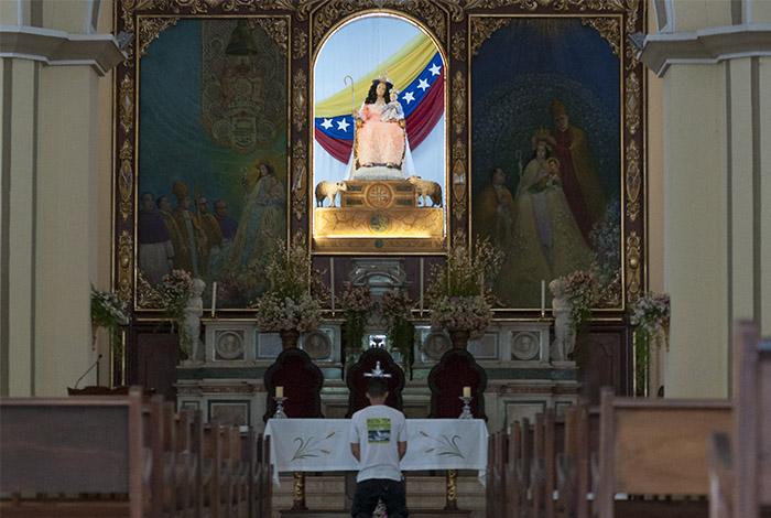 Divina Pastora guíanos en la búsqueda de una solución para Venezuela — Falcón