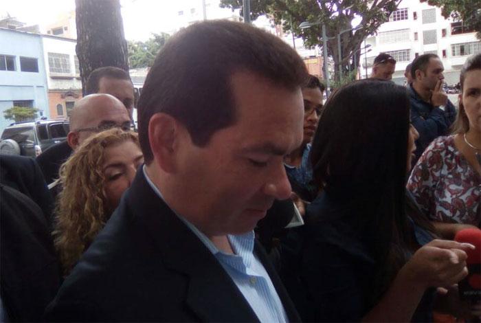 Oposición denuncia penalmente a Maduro, magistrados y rectoras ante Fiscalía