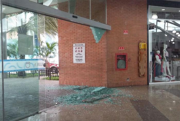 Represión dejó destrozos en centro comercial de Puerto Ordaz