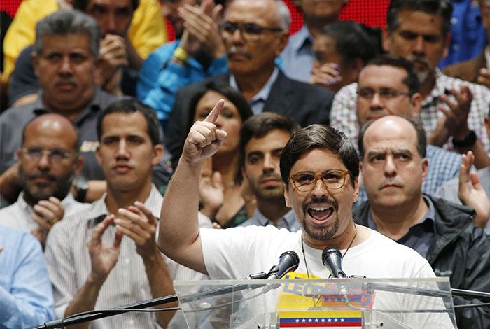 Oposición venezolana convoca a manifestarse contra Maduro