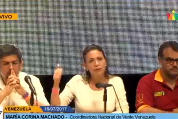 Futbolistas venezolanos también participan en la Consulta Popular
