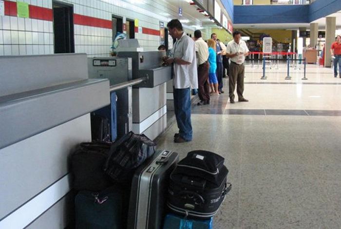 Aeropuerto de Cúcuta no permitirá que venezolanos se queden en sus instalaciones