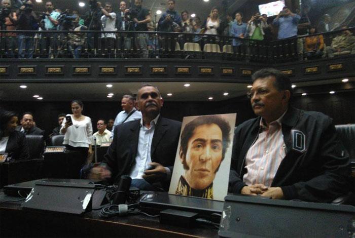 Tres diputados chavistas se rebelan al oficialismo — Venezuela