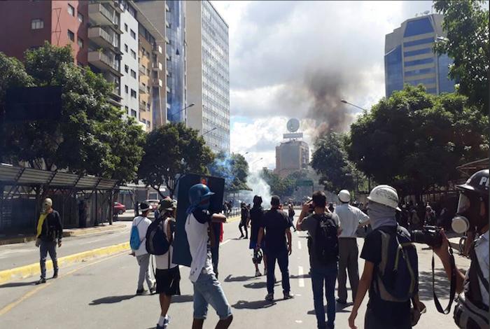 Policía impide marcha contra la Constituyente