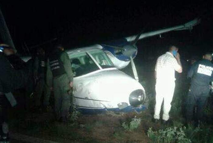 Un muerto y un lesionado tras aterrizaje forzoso de avioneta en Falcón