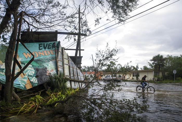 Sube el número de muertos que deja Irma en Florida