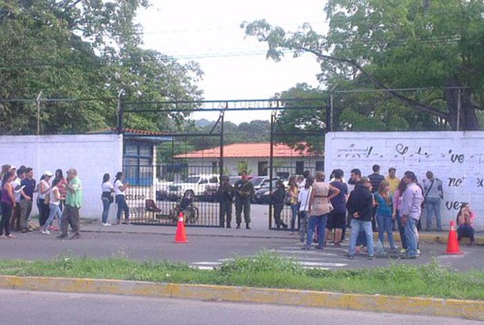 CNE venezolano reubica 119 centros de votación para elecciones regionales