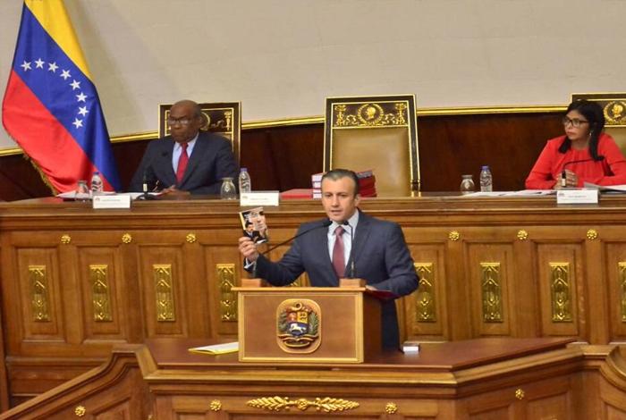 Vicepresidente venezolano presenta presupuesto para 2018