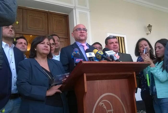 Detienen en Venezuela a dos por corrupción