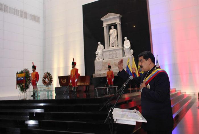 Venezuela homenajea a Simón Bolívar en el 187 aniversario de su muerte