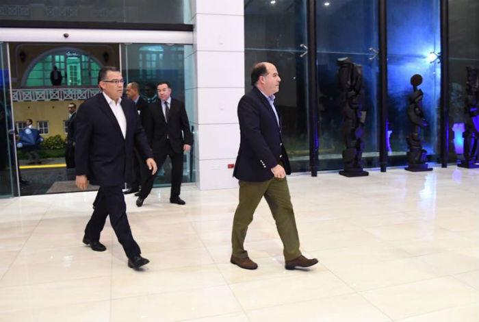 Rodríguez exige a mediadores del diálogo respetar acuerdos