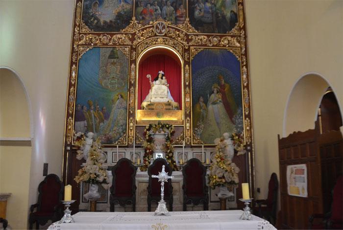 Carolina Herrera viste a la Divina Pastora este año