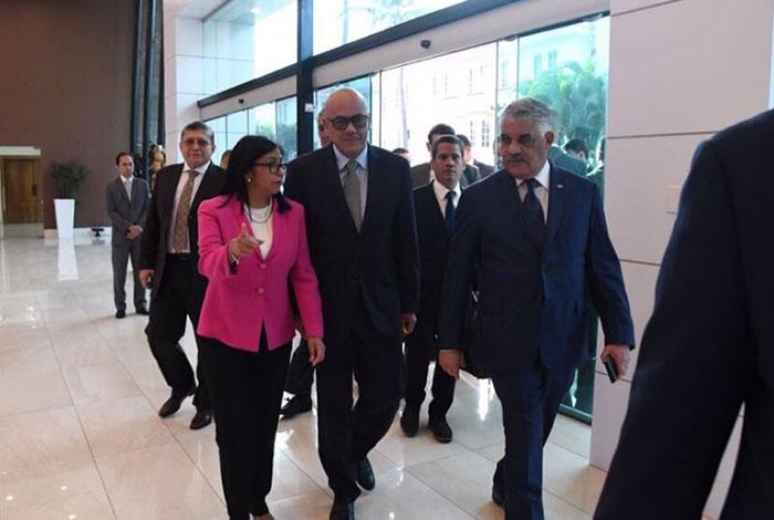 Gobierno y oposición por un acuerdo definitivo — Venezuela