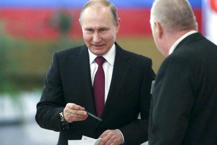 'Rusia con Putin luchará por integridad territorial ante enemigos'