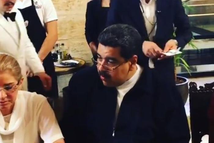 Maduro responde a las críticas por banquete en Turquía