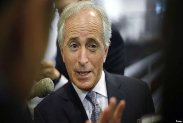 Opositores sostienen reunión en Caracas con senador estadounidense Bob Corker