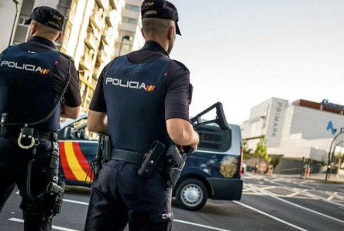 Detienen a banda que prostituía a hombres en España