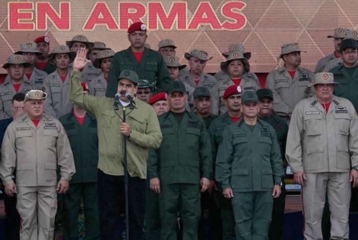 Maduro acusa al presidente colombiano de planear ataque
