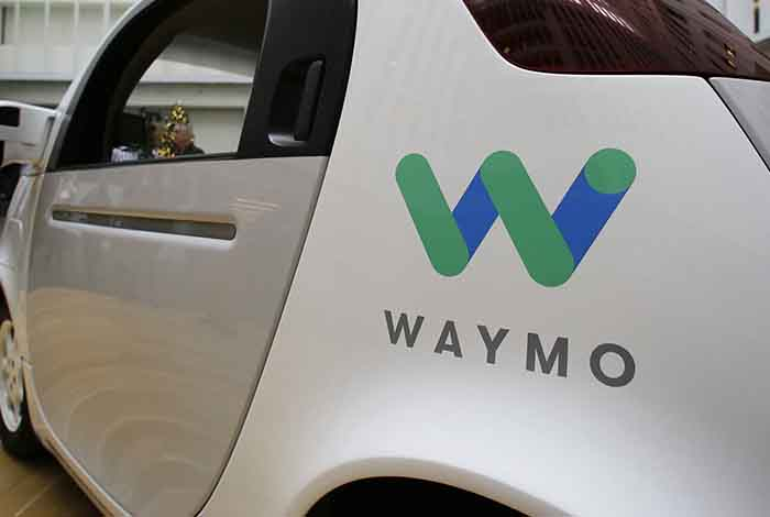 Waymo lanza su servicio de taxis autónomos en Estados Unidos