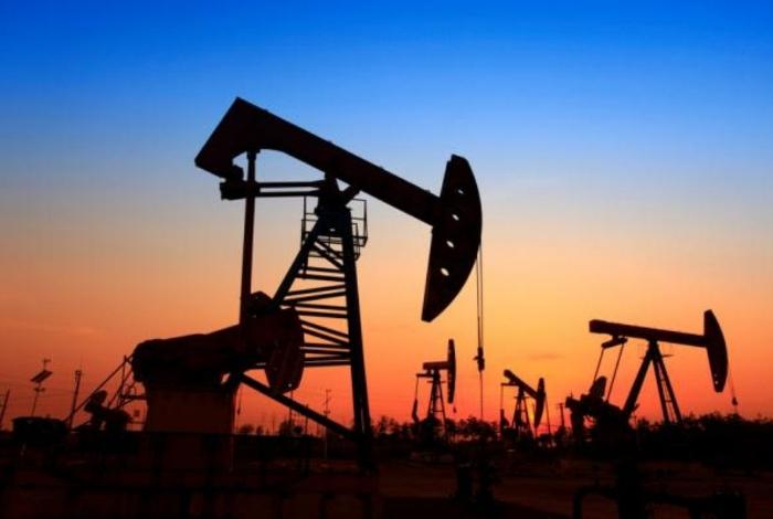 Petróleo venezolano vuelve a subir y cierra la semana en 65,66 dólares