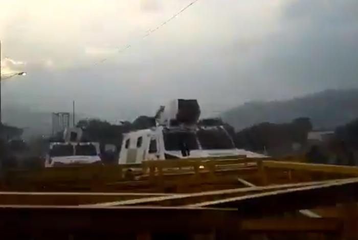 Retiran barreras en puente para ingreso de ayuda humanitaria — Venezuela