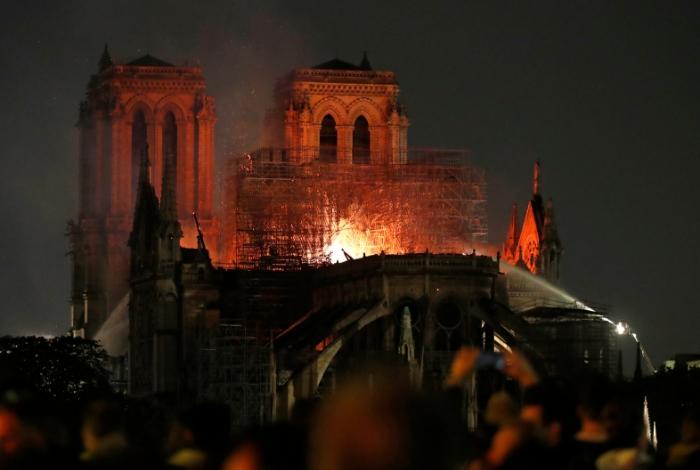 """Macron declara """"emergencia nacional"""" en Francia por incendio de la Catedral de Notre Dame #15Abr"""