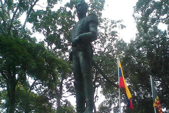 #OPINIÓN Cronicario: El general Jacinto Lara tiene dos estatuas en Barquisimeto #24May
