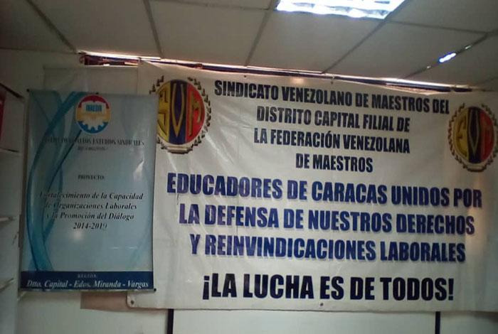 Inaesin: Ambiente laboral de las aulas amenaza salud de los docentes #24May